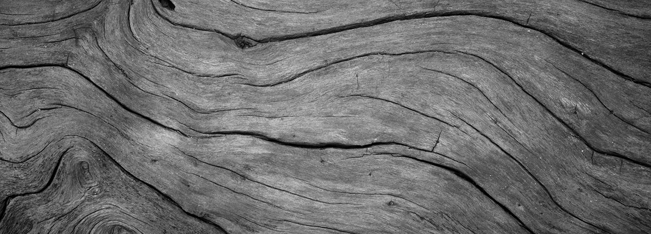 Low contrast wood grain texture.